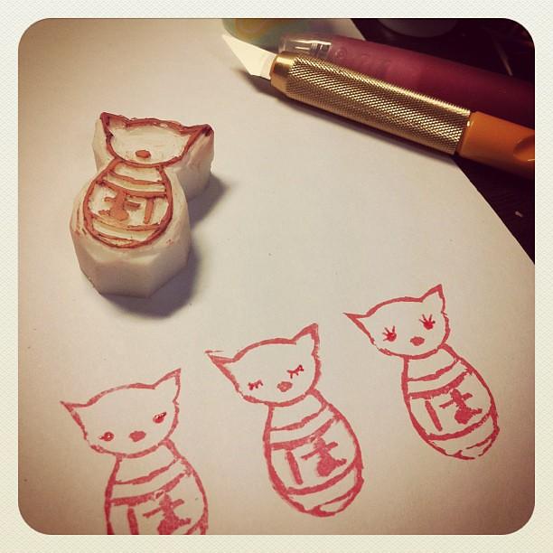 My very first eraser stamp :) はじめての消ゴムはんこ。ちょっとブサイクだけど、まぁよしとしよう^_^ #ichigonewjourney #hanko