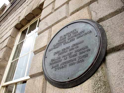 Plaque on Newman House, Dublin.