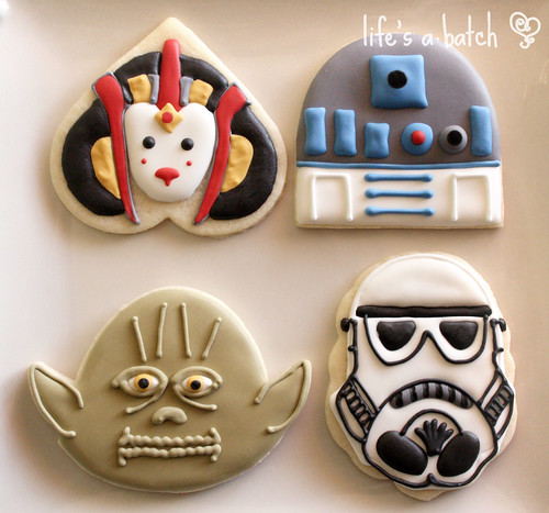 Star Wars head cookies.