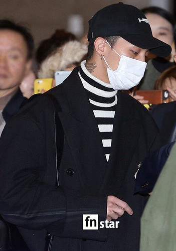 Big Bang - Gimpo Airport - 31dec2015 - fnstar - 03