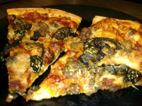 Spinach & sausage pizza by Coyoty