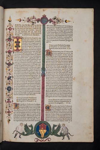 Illuminated border with coat of arms in Livius, Titus: Historiae Romanae decades I, III, and IV [Italian]