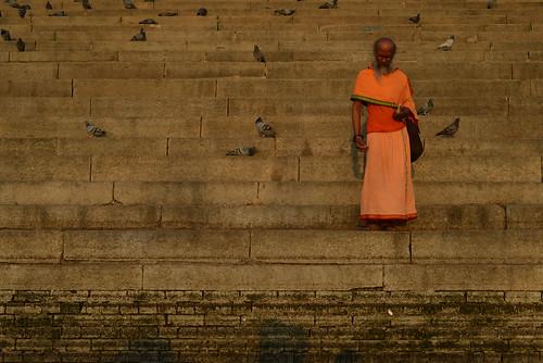 morning india sunrise river 50mm dawn nikon riverside bank step varanasi f18 hinduism sadhu holyman ganges ghat 日出 uttarpradesh 印度 恆河 yogīs sādhus