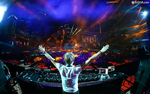 Ultra Music Festival 2013 Wallpaper (16:10) - Armin van Buuren