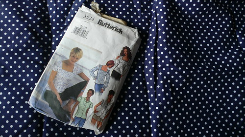or Butterick 3524 view E?