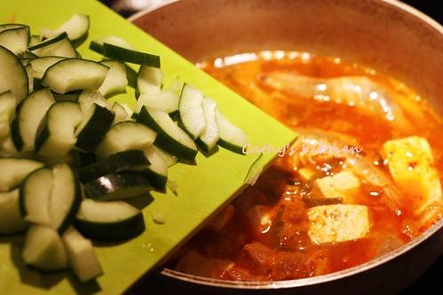 韓式辣泡菜豆腐豬肉湯 Pork Kimchi JjiGae 9