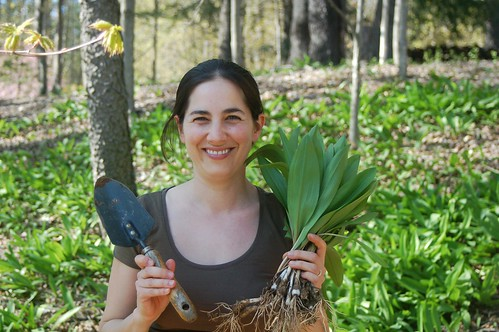 Eve Fox with ramps & trowel by Rahm Rechtschaffen, the Garden of Eating blog, copyright 2013