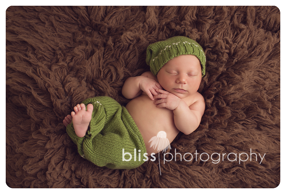 newborn green pants bliss photography-9102