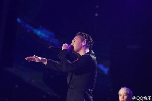 BIGBANG QQ Music Awards Shenzhen 2016-03-23 (10)