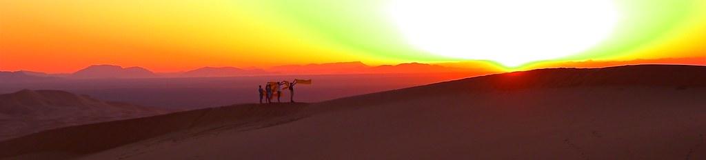 Reise Marokko-Königsstädte. Wüsten-Camp in der Sahara, Sonnenuntergang auf Sanddüne. Foto: Günther Härter