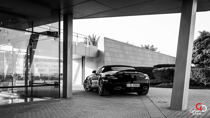 2013_Mercedes_SLS-Roadster_black_and_white.jpg