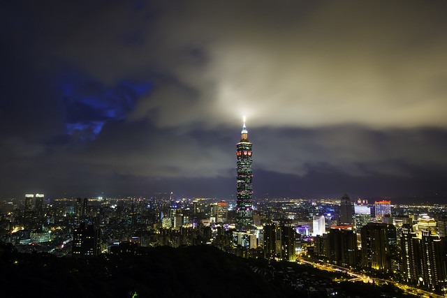 Taipei Typhoon Night 台北颱風夜