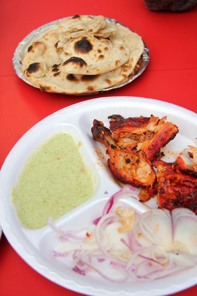 Tandoori chicken and tandoori roti at Mama Chicken House!