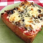 201304 玫瑰松露在我家 之 麵包披薩
