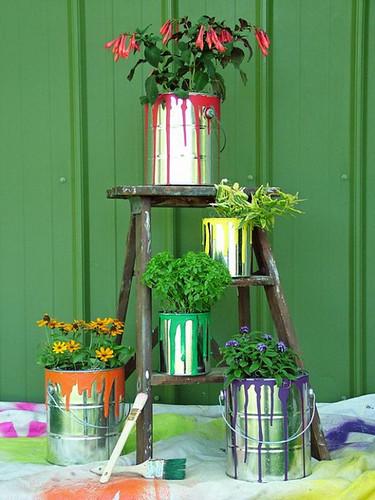 paint-cans-planters