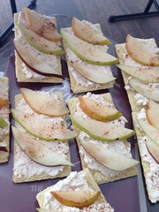Honey Whipped Ricotta & Pear Toasts!!!