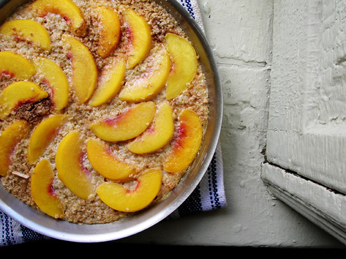 baked oatmeal with peaches and almonds