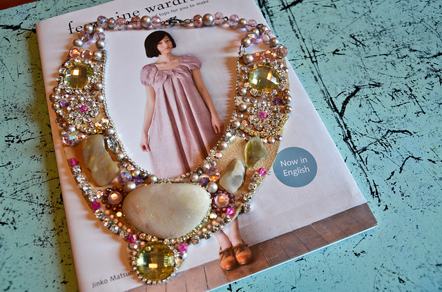 pink_stones_necklace-1-2