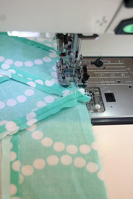 Bloom Bloom Pow: Sewing the rows together