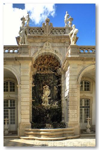 Fonte nos jardins do Palácio de Belém by VRfoto