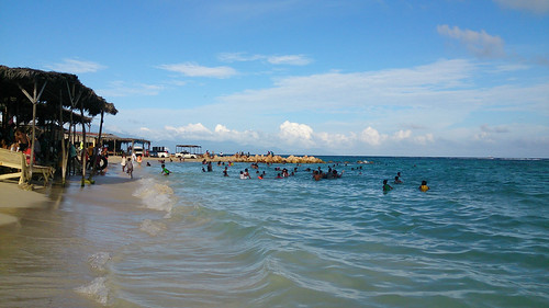swimming sony jamaica jam waterproof 2013 hellshirebeach xperiaz