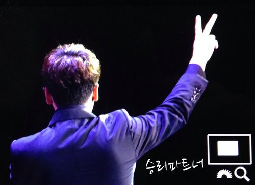 Seungri-BestofBest-HongKong_20140802 (4)