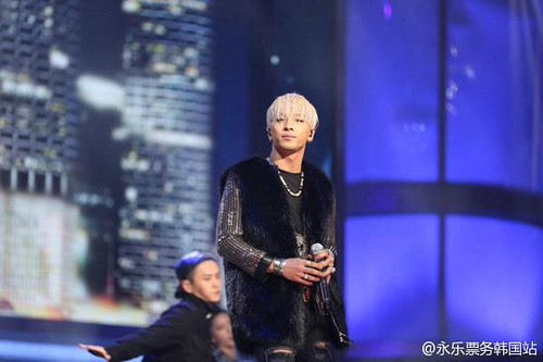 Taeyang-GoldenDisc-Awards-mainshow-20150114-10
