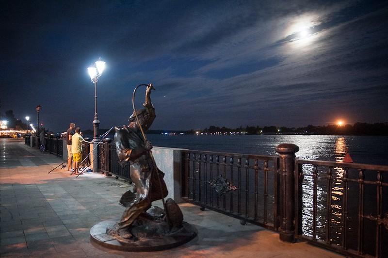 Fisherman monument