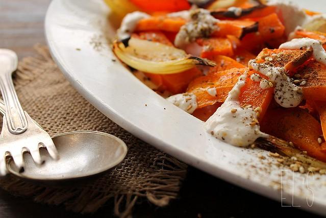 Courge butternut et oignons rôtis au zaatar