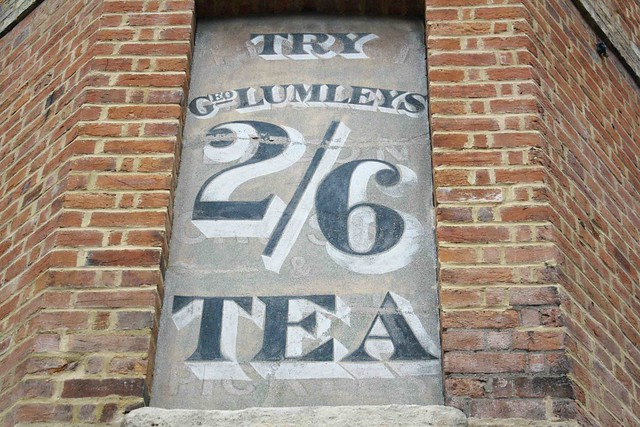 Lumleys tea old advert oxford brick wall