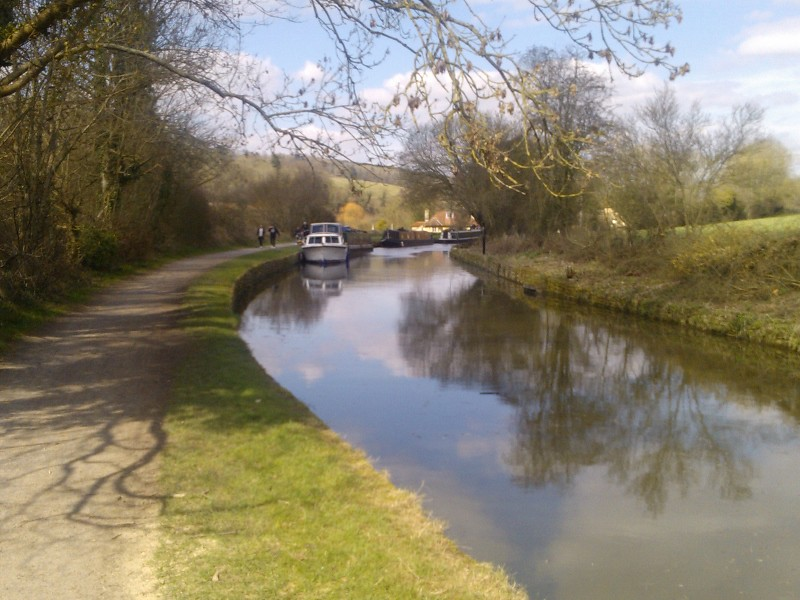 Canal bend near Avoncliff