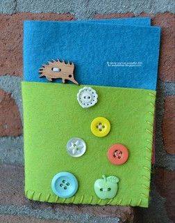 Needle book with Echidna