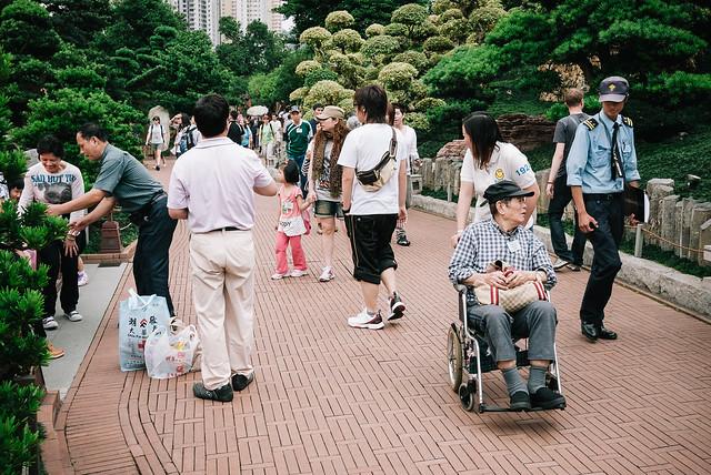 essay_hong-kong_street_kodak-porta-015.jpg