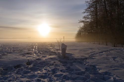 morning winter sun snow sunrise finland helsinki vanhankaupunginlahti april 2013 canoneos7d adobelightroom4 me2youphotographylevel1