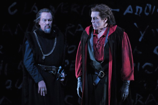 Ferruccio Furlanetto and Thomas Hampson in Simon Boccanegra © Dan Rest/Lyric Opera of Chicago