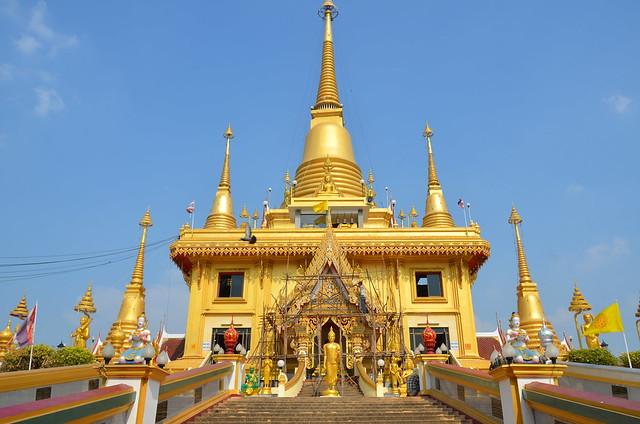 Nakhon Sawan.Le Temple Kiriwong.06