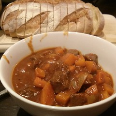 gravy, stew, curry, vegetable, meat, food, dish, cuisine, goulash,