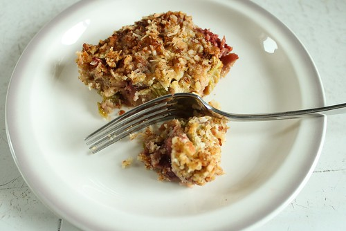 rhubarb strawberry bars, gluten-free