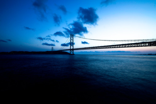 bridge blue sunset zeiss evening twilight dusk utata suspensionbridge 15mm f28 ze distagon akashikaikyobridge 明石海峡大橋 2013 canoneos5dmarkiii carlzeissdistagon15mmf28ze gettyjapanland