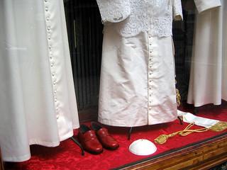 Vestidura papal en Gamarelli