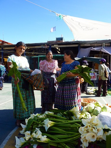 Tono's mother selling flowers