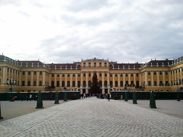 Christmas Market @ Schönbrunn Palace | Vienna, Austria