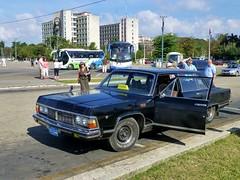 GAZ-14 Chaika, Plaza de la Revolución - La Habana, Cuba