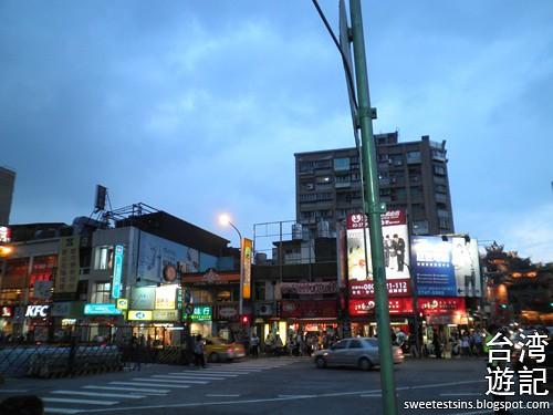 taiwan trip blog day 2 ximending taipei 101 agnes b cafe wufenpu raohe night market 27