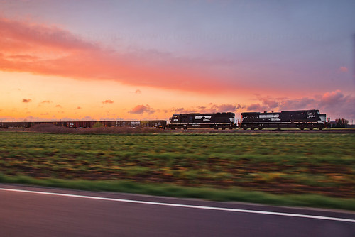 road railroad sunset sun color colors car speed train ns fast railway trains pace locomotive railfan slowshutterspeed norfolksouthern