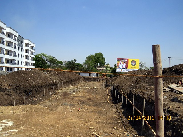 Excavation at the site of Jalan Group's Sai Sparsh, 1 BHK Flats & Shops at Kapurhol on Pune Bangalore Highway