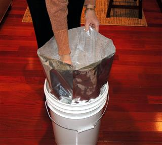 Flour in buckets with Mylar and Oxygen Absorber_0