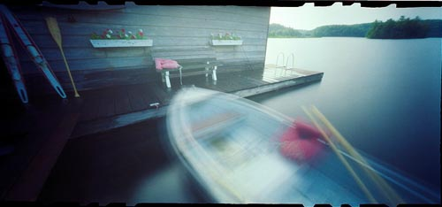 http://www.flickr.com/photos/94608838@N00/85824475/in/pool-pinholephotography/