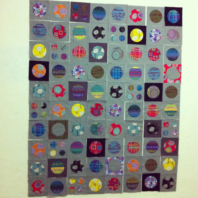 Perfect circles quilt  - sewing together