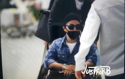 Big Bang - Incheon Airport - 10apr2015 - Tae Yang - Just_for_BB - 01